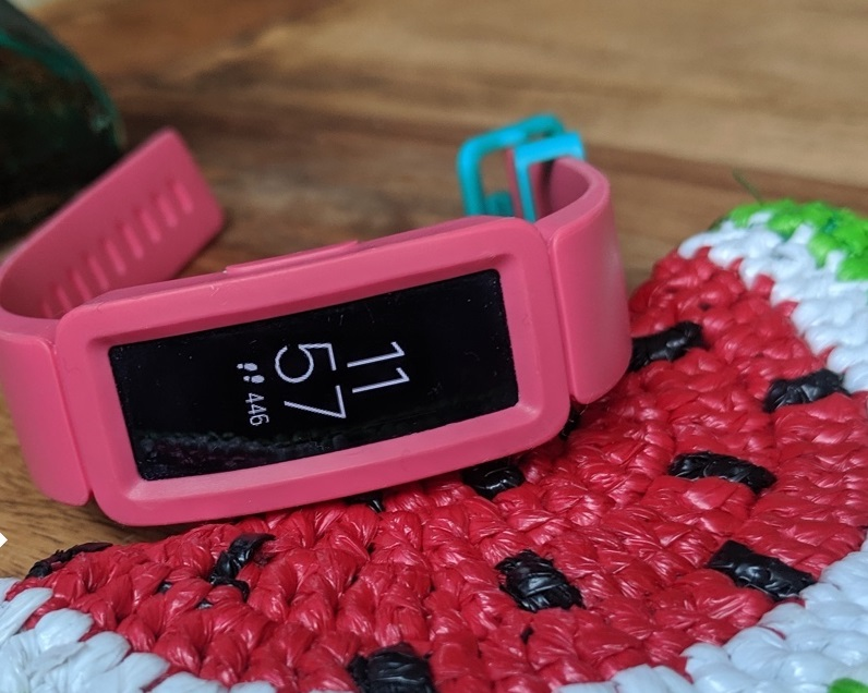 review Fitbit Ace 2