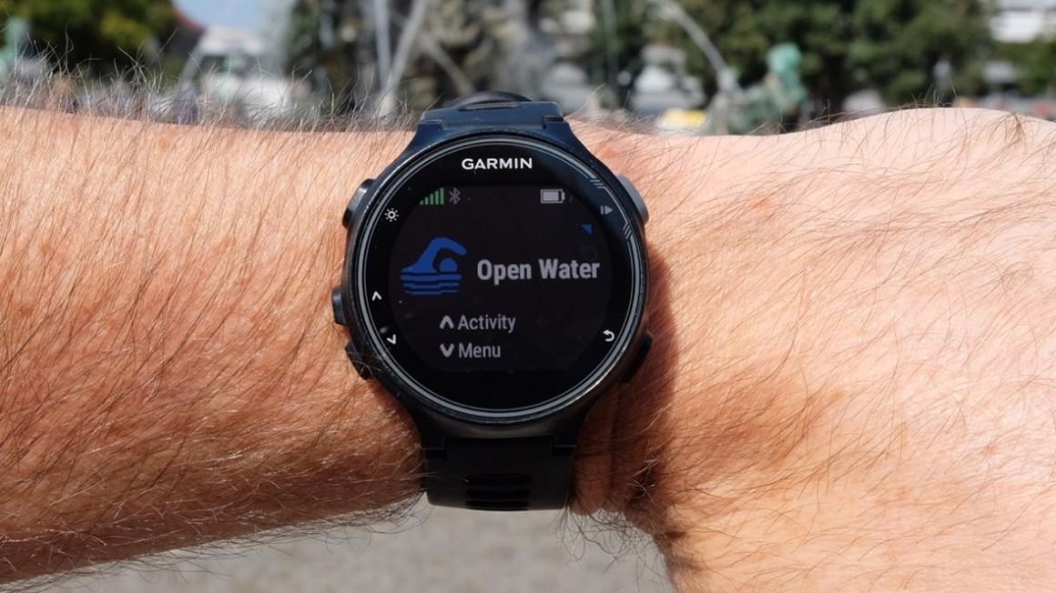 đồng hồ Garmin Forerunner 735XT