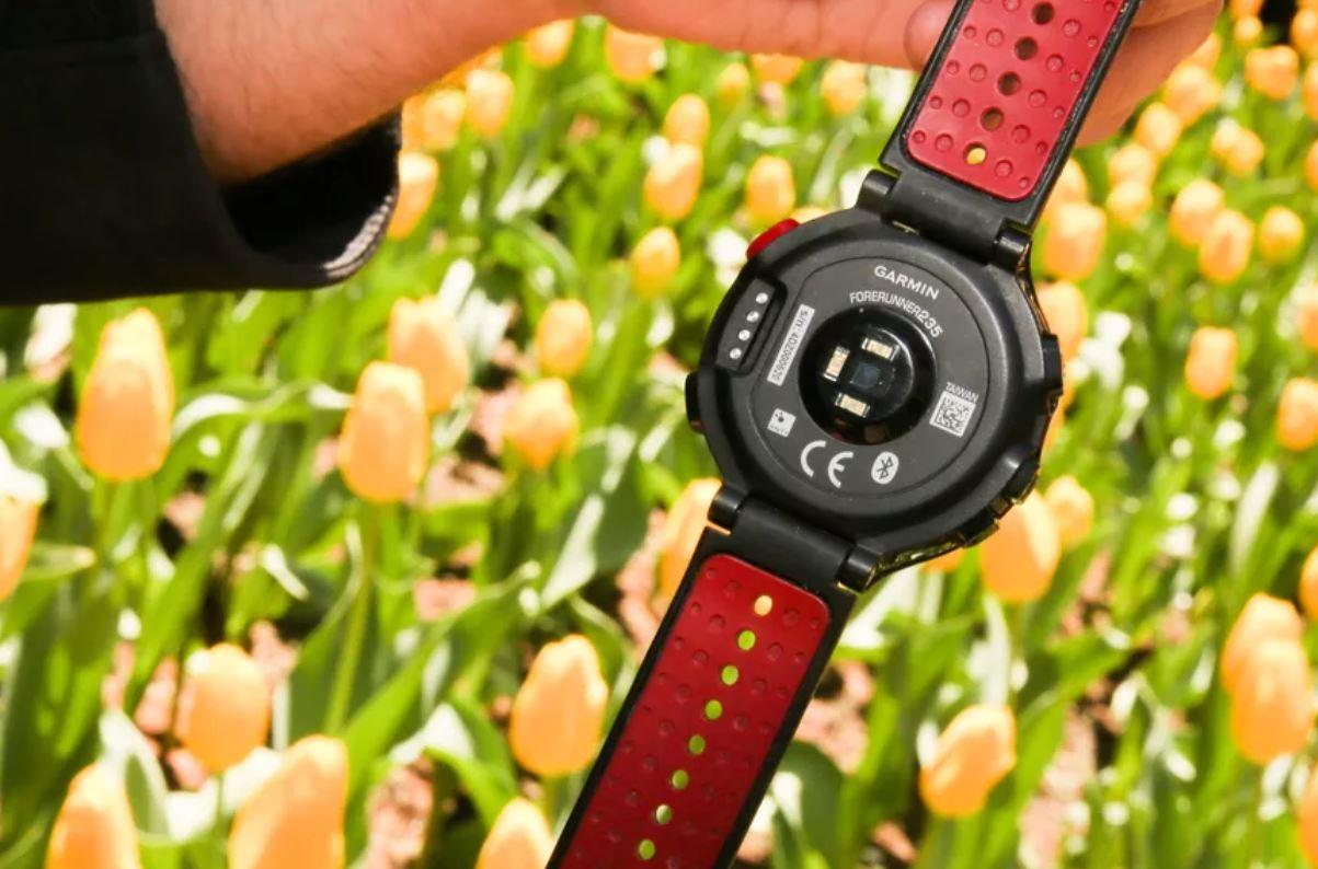 smartwatch theo dõi chạy garmin forerunner 235